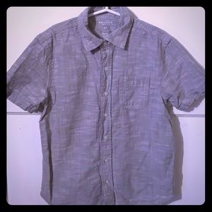 Button down shirt size Small 8